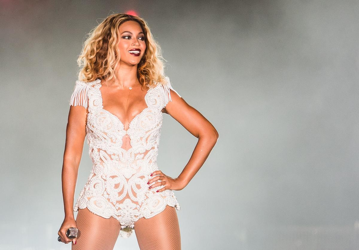 Beyonce performs on stage during a concert in the Rock in Rio Festival on September 13, 2013 in Rio de Janeiro, Brazil
