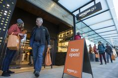 """Amazon Opens First Cashierless Store In Chicago: """"Walk Out Shopping"""""""