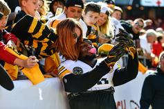 Le'Veon Bell Posts A Pair Of Cryptic Tweets As Deadline Looms
