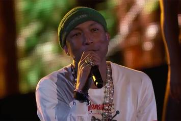 """Pharrell Performs """"Hunter"""" Live On """"The Voice"""""""