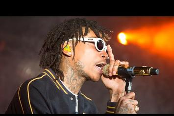 "Wiz Khalifa Performs ""We Dem Boyz"" Live In NYC"