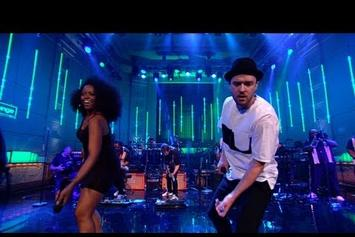"""Justin Timberlake Covers The Jacksons' """"Shake Your Body Down (To The Ground)"""" Live"""