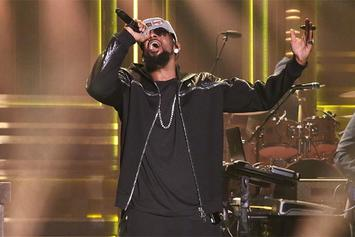R. Kelly Performs Awesome Medley On Jimmy Fallon
