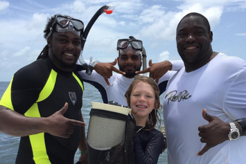 Warren Sapp Had A Chunk Taken Out Of His Arm By A Shark In Florida