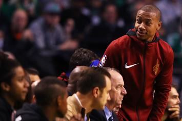 Isaiah Thomas Receives Standing Ovation During Return To Boston
