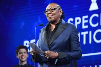 Jay-Z's Mother, Gloria Carter, Receives GLAAD Award & Delivers Emotional Speech