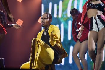 "Chris Brown Hits Nearly A Billion Streams On Spotify On Last Album ""Heartbreak"""
