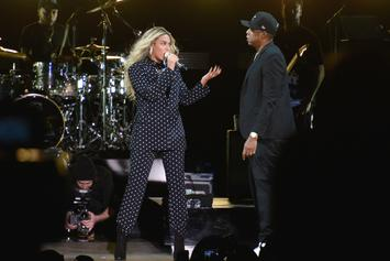 "Jay-Z & Beyonce Perform On A Floating Stage During ""OTR II"" Tour"