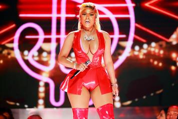 Nicki Minaj Suffers Wardrobe Malfunction During BET Awards Performance