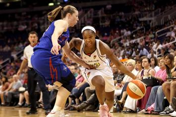 "WNBA All-Star Cappie Poindexter: ""Pay Me What I Deserve"""
