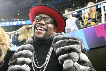 Floyd Mayweather Nonchalantly Throws $50K From Backpack At Strip Club