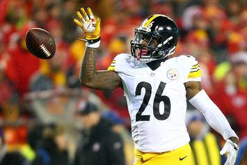 Le'Veon Bell Skips Steelers Meeting, Holdout Could Extend Into The Season