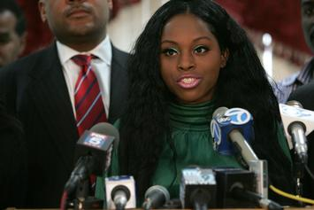 """Foxy Brown Responds To NYFW Debacle: """"We Were Handed A Handwritten, Undated, Check"""""""