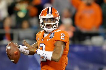 Clemson Senior QB Kelly Bryant Transferring After Being Replaced By Freshman
