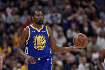 """Kevin Durant Unimpressed With The """"Recruitment"""" Billboard In NYC"""