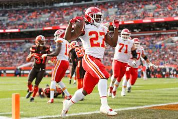 Kareem Hunt In Talks With Bears Coach Matt Nagy, May Return To Football