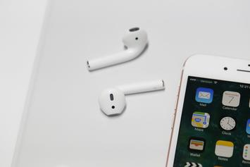 Apple's New AirPods Will Arrive Within Next 6 Months: Report