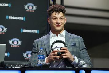"Patrick Mahomes Signs Fan's ""Champ Stamp"" Lower Back Tattoo: Watch"