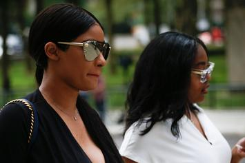 R. Kelly's Girlfriends Appear Tight Lipped With Reporters After His Bail Was Denied: Watch