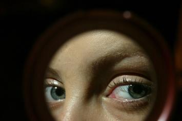 Stalker Finds Pop Star's Home After Analyzing Her Pupil's Reflection
