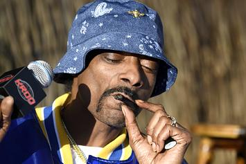 "Snoop Dogg Praises His Blunt Roller: ""Motherf**ker Is Like Lurch From Addams Family"""