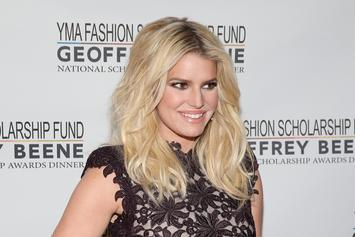 """Jessica Simpson """"Felt The Loss"""" Of Kobe Bryant As Helicopters Flew Over Home"""