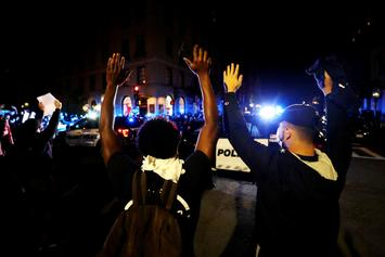 Arkansas Police Officer Kills Fellow Cop After Threatening Protesters