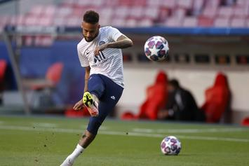 Soccer Star Neymar Signs With Puma