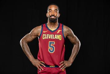 "JR Smith Blasts ""FDT"" While Flipping Off Trump Supporters"