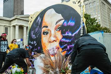 Louisville Police Department Fire 2 Cops Involved In Fatal Breonna Taylor Shooting