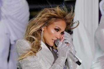 """Jennifer Lopez Laughs Off Fan Who Says She Uses Botox: """"That's Just My Face!"""""""