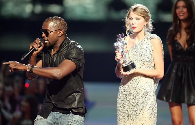 kanye west and taylor swift at vmas 2009