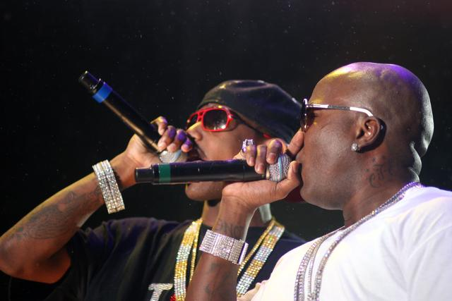 fabolous and young jeezy performing
