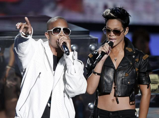 Rihanna and T.I. performing together in 2008