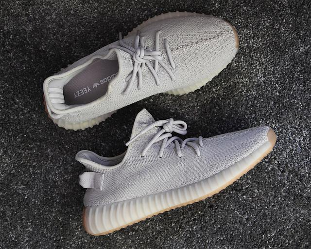 new product 4f330 652e4 Adidas Yeezy Boost 350 V2