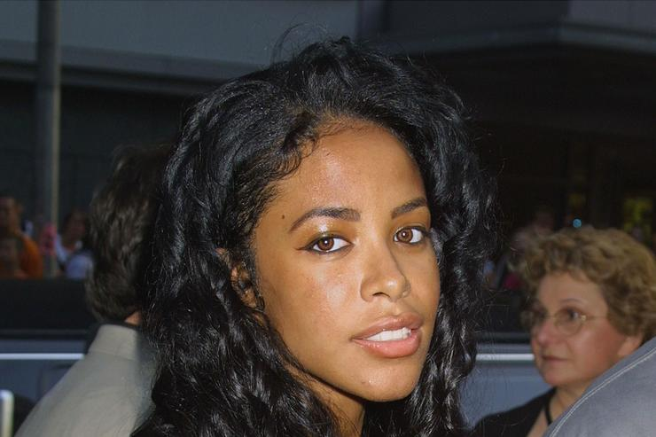 Singer Aaliyah attends the world premiere of the film 'Planet of the Apes' July 23, 2001 at the Ziefield Theatre in New York City.