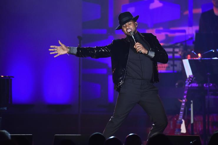Usher performs onstage at the Songwriters Hall Of Fame 48th Annual Induction and Awards at New York Marriott Marquis Hotel on June 15, 2017 in New York City.
