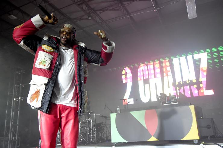 2 Chainz getting hype on stage