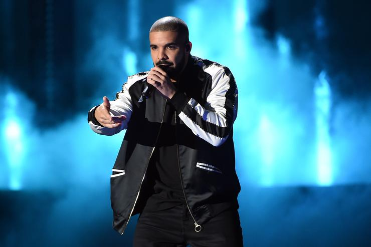 Recording artist Drake performs onstage at the 2016 iHeartRadio Music Festival at T-Mobile Arena on September 23, 2016 in Las Vegas, Nevada.