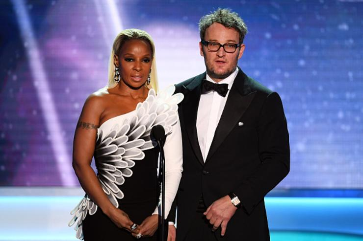 Actors Mary J. Blige (L) and Jason Clarke speak onstage during the 24th Annual Screen Actors Guild Awards at The Shrine Auditorium on January 21, 2018 in Los Angeles, California.