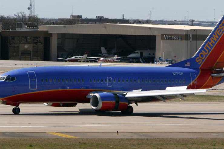Southwest pilot praised for 'nerves of steel'
