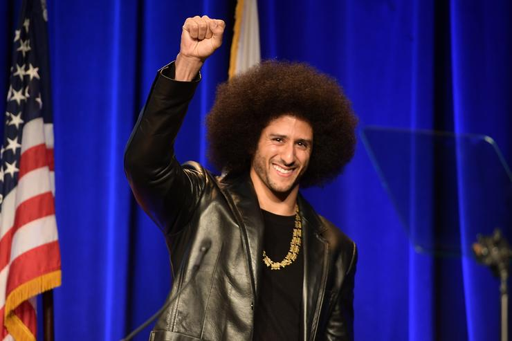Colin Kaepernick honored by Amnesty International for peaceful protest