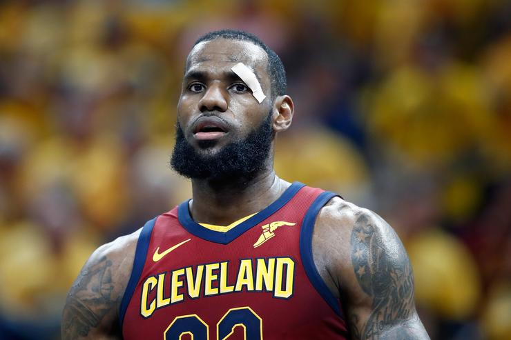LeBron James passes Scottie Pippen as playoff steals leader