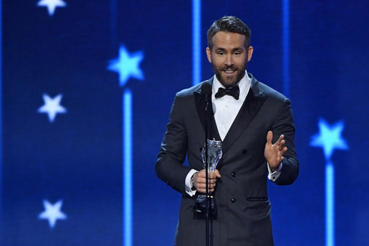Actor Ryan Reynolds accepts the award for Best Actor in a Comedy Movie for 'Deadpool' during the 22nd Annual Critics' Choice Awards at Barker Hangar on December 11, 2016 in Santa Monica, California.