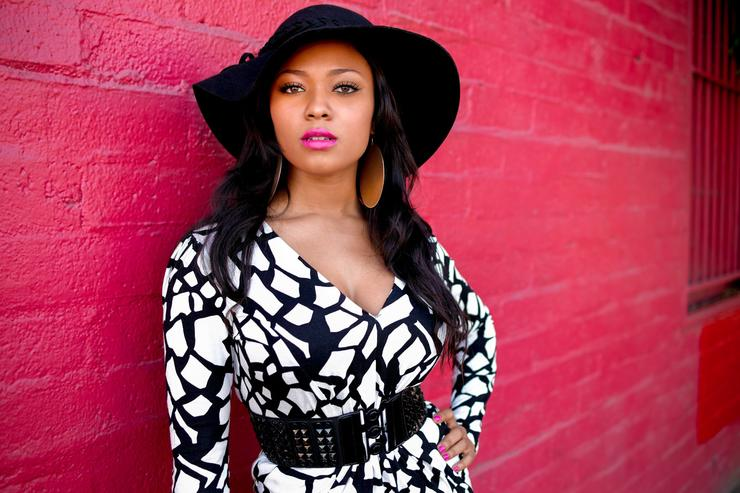 Teairra Mari Bashed Boyfriend's Benz G-Wagon Windows After Revenge Porn, Allegedly