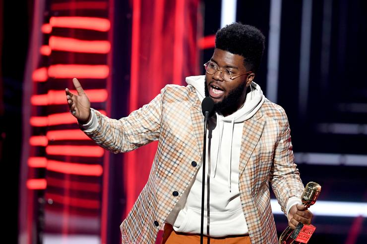 Khalid accepts the Top New Artist award at the 2018 Billboard Music Awards at the MGM Grand Garden Arena on May 20, 2018 in Las Vegas, Nevada