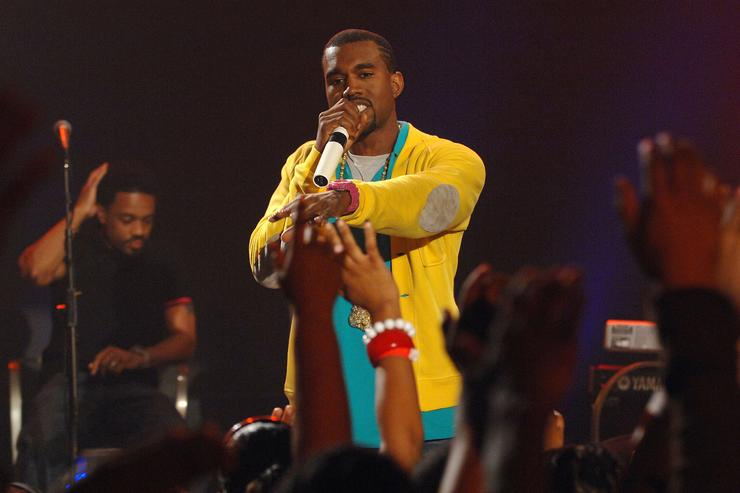 Kanye West performs on BET's 106 & Park at BET Studios on August 21, 2007 in New York City