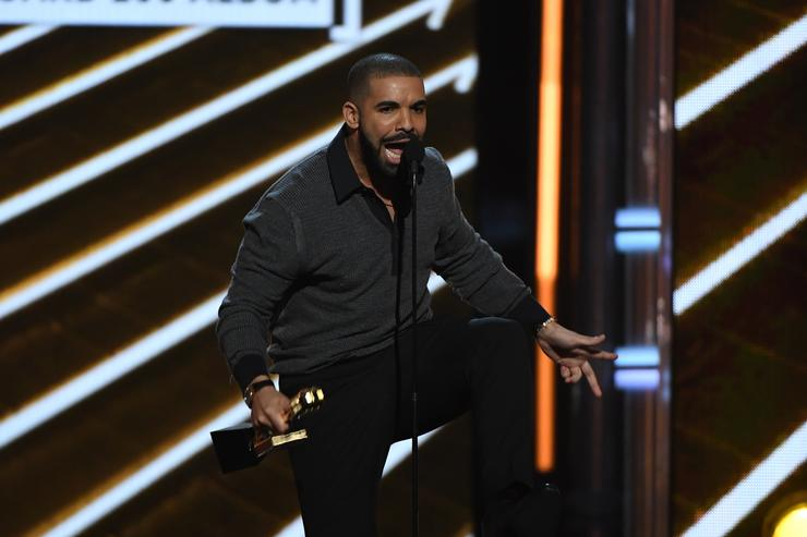 Drake fesses up to a son on new album 'Scorpion'