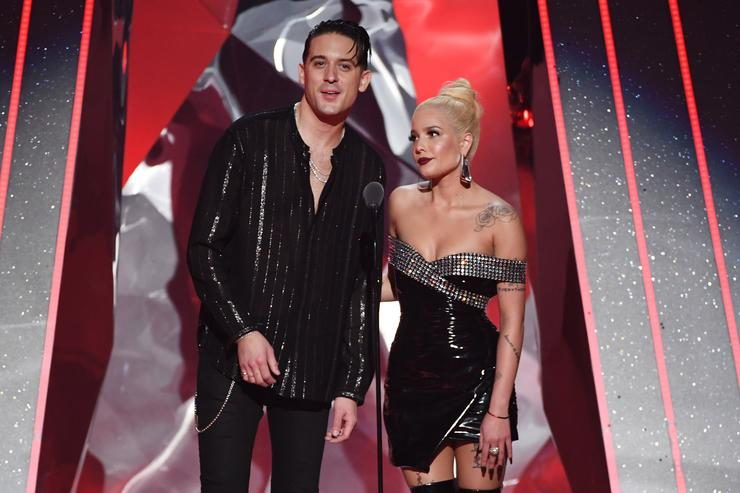 Halsey cries on stage following G-Eazy split