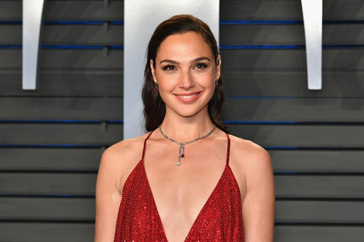 Gal Gadot attends the 2018 Vanity Fair Oscar Party hosted by Radhika Jones at Wallis Annenberg Center for the Performing Arts
